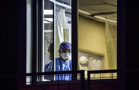 Onlar koronavirüsün en ön saflarında çalışan sağlık savaşçıları