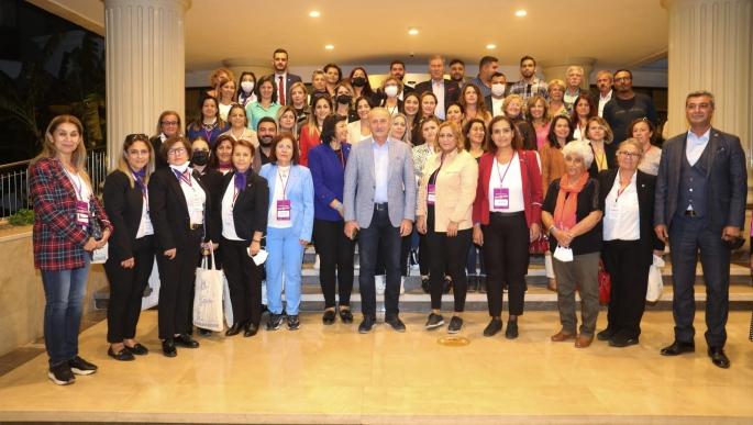 81 ilin CHP'li kadın kolları başkanları Didim'de ağırlandı