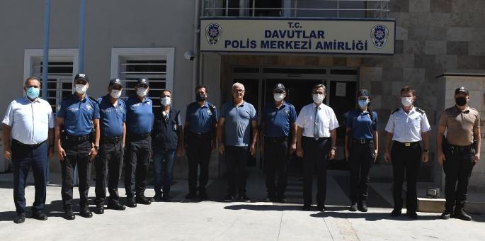 Başkan Vekili Hayati Atlı'dan güvenlik güçleri ve sağlık çalışanlarına bayram ziyareti
