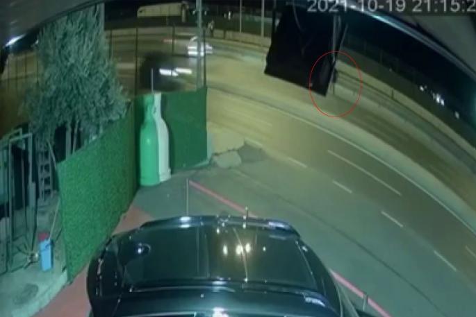 Genç kadının hayatını kaybettiği kaza kamerada