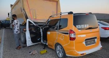 7 araçlı zincirleme kaza: 1 asteğmen öldü, 6 kişi yaralandı