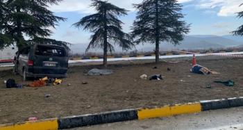 Feci trafik kazası: 3 ölü, 8 yaralı