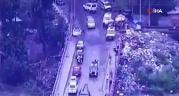 Keşmir'de askeri konvoya el bombalı saldırı: 6 yaralı