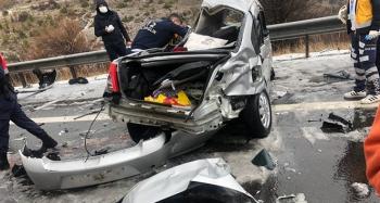 Zincirleme trafik kazası: 4 ölü, 7 yaralı