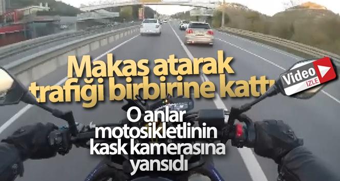 Makas atarak trafiği birbirine katan otomobil kamerada