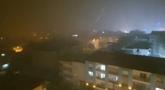Nazilli'de 10 dakikalık dolu yağışı hayatı olumsuz etkiledi
