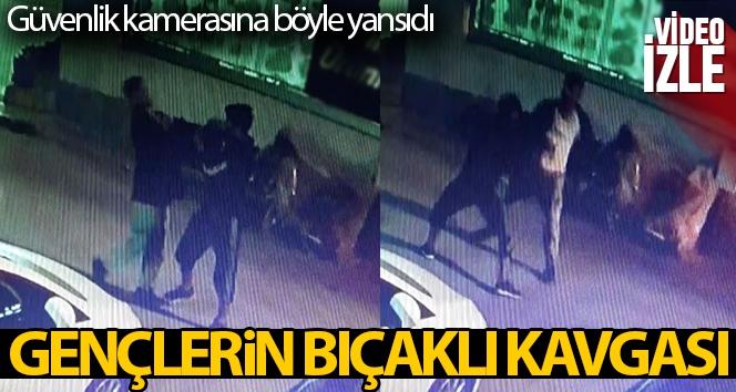 Yabancı uyruklu gençlerin bıçaklı kavgası güvenlik kamerasında