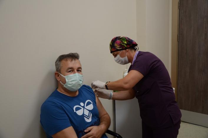 ADÜ´de Biontech aşısı yapılmaya başlandı