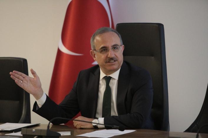 AK Parti İzmir İl Başkanı Sürekli´den trafik ve 2. çevre yolu çıkışı