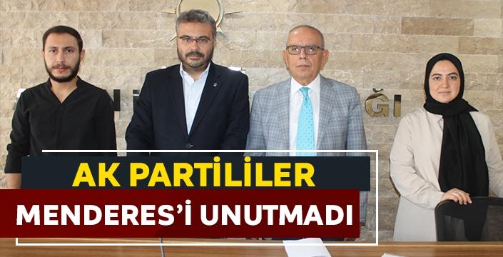 AK Partililer Menderes'i unutmadı