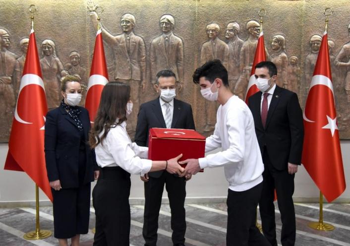 ´Anadolu Gönül Yolu´ projesinin Ay-Yıldızlı Türk Bayrağı Aydın´da
