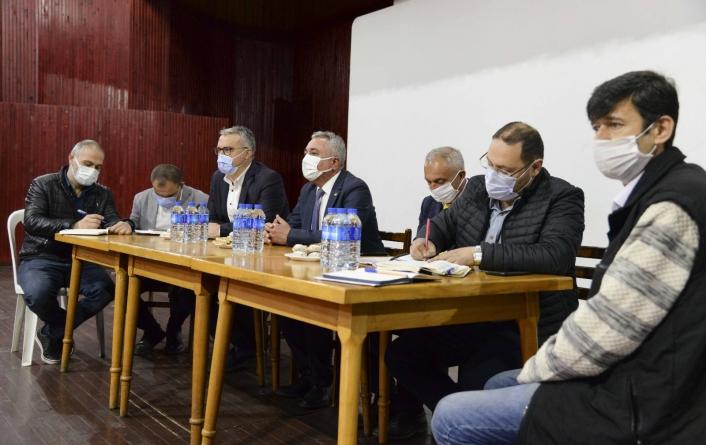 Aydın Büyükşehir Belediyesi Sultanhisarlı muhtarlarla bir araya geldi