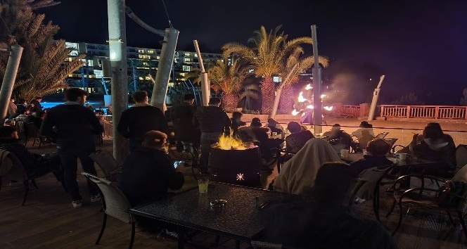 Aydın'ın Kuşadası ilçesindeki 5 yıldızlı bir otelde, sağlık ürünü satan bir firma tarafından bayi toplantısı düzenlendi.