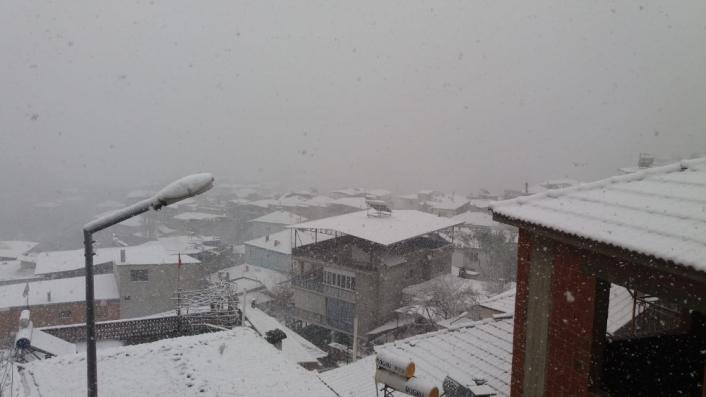 Aydın´ın yüksek kesimlerinde kar yağışı etkili oldu