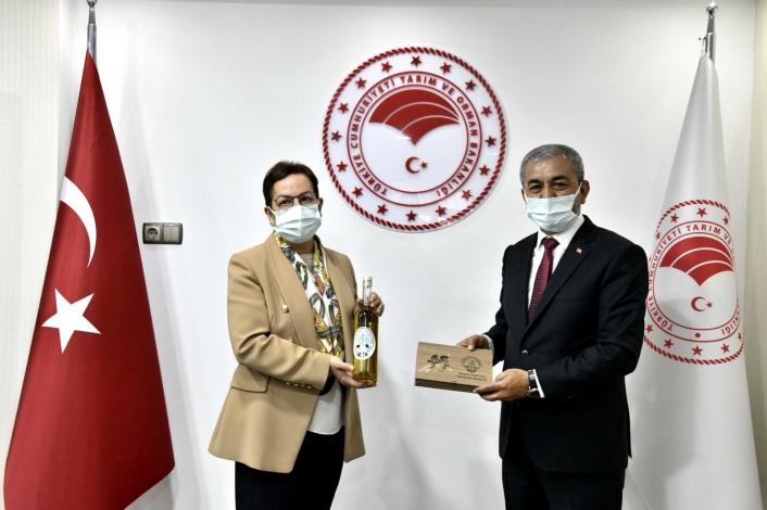 Başkan Kaplan, Koçarlılı üreticilerin taleplerini Ankara´ya taşıdı