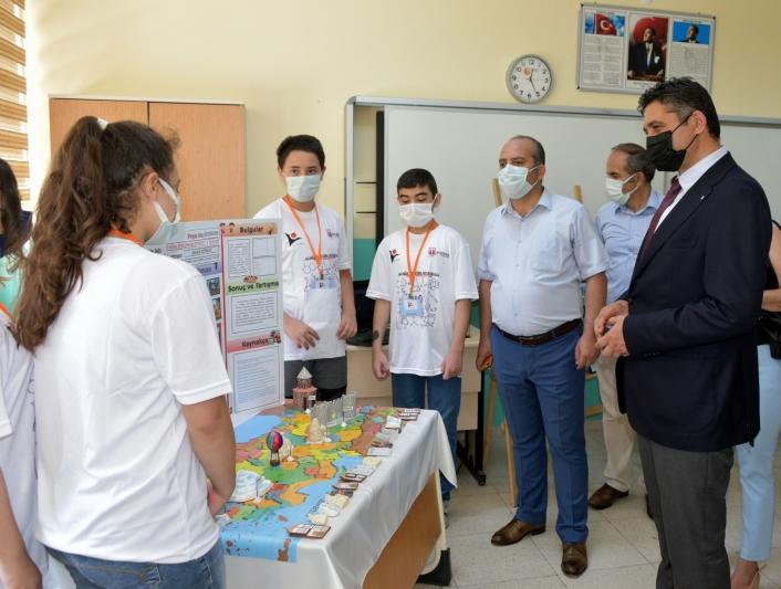 Başkan Serkan Acar, öğrencilerin proje heyecanına ortak oldu