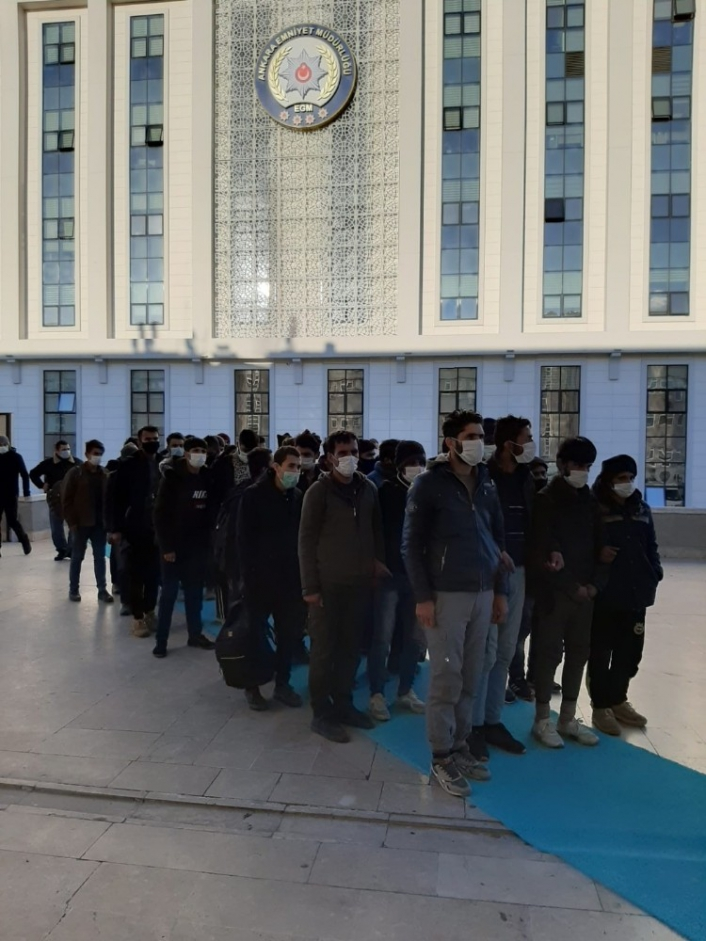 Başkent´te 2 göçmen kaçakçısı tutuklandı