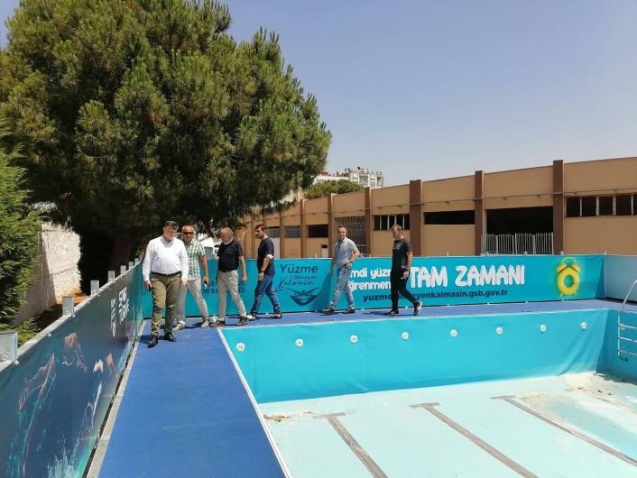 Efeler´e portatif yüzme havuzu kuruldu