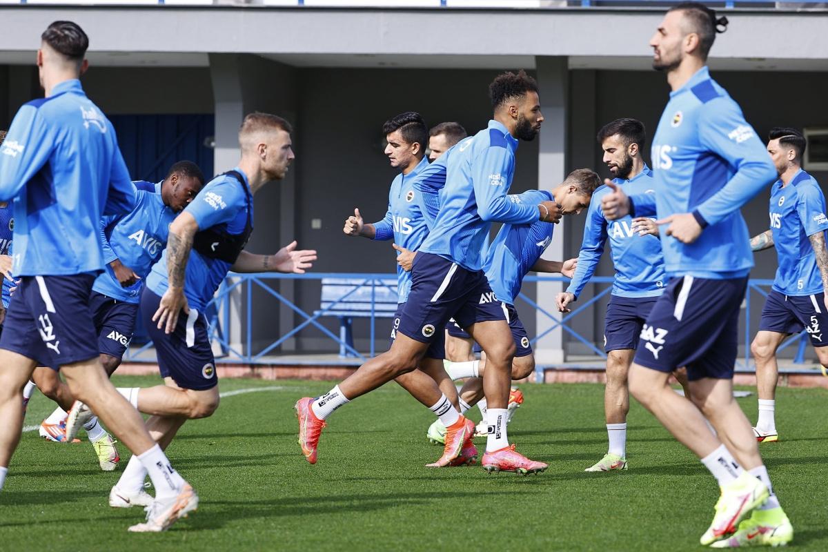 Fenerbahçe, Trabzonspor maçının taktiğini çalıştı