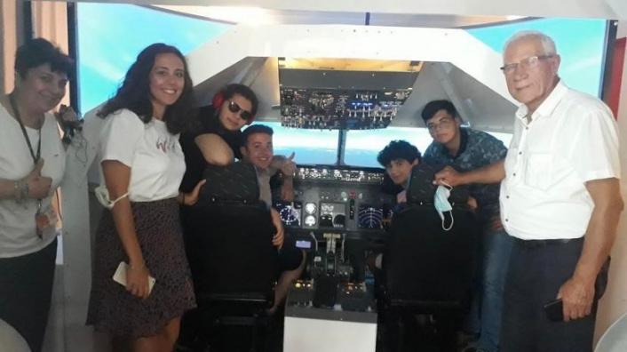 Geleceğin havacıları, simülatör sistemi ile hayallerine uçtu