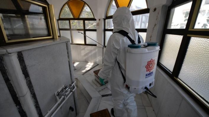 Karesi´de camiler ve Kur´an kursları dezenfekte ediliyor