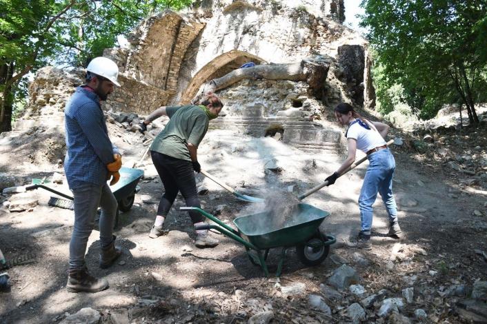 Kurşunlu Manastırı Kuşadası´nda inanç turizminin yeni adresi olacak