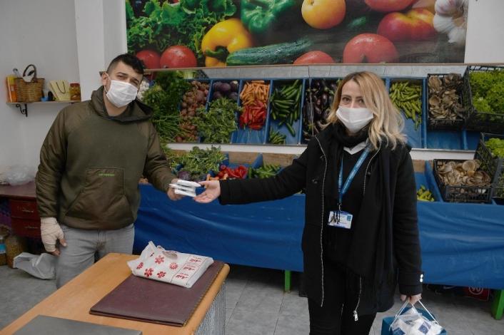 Kuşadası Belediyesi 11 ayda 1 milyonun üzerinde maske dağıttı
