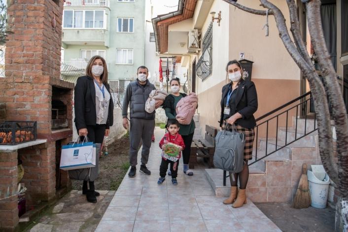 Kuşadası Belediyesi 3 Ayda 97 bebeğe