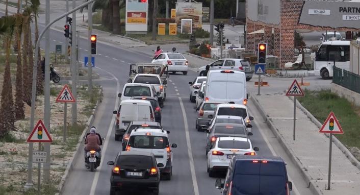 Kuşadası´nda trafik kilitlendi