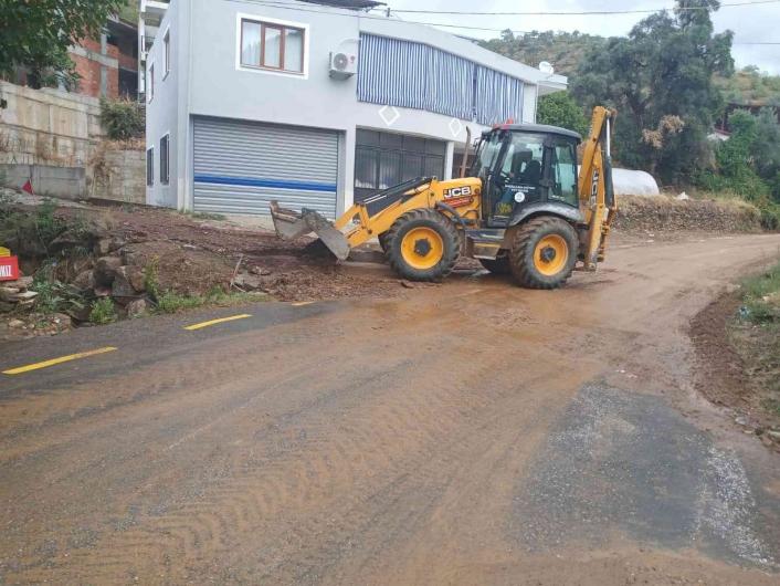 Nazilli´de yağıştan etkilenen bölgelerde çalışma başlatıldı