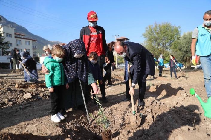Pamukkale Belediyesinden Milli Ağaçlandırma Günü´ne destek