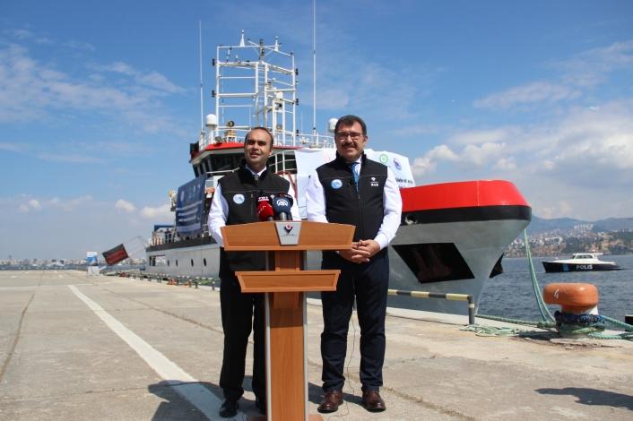 TÜBİTAK Marmara Araştırma Gemisi, deprem araştırma seferi için İzmir´den uğurlandı
