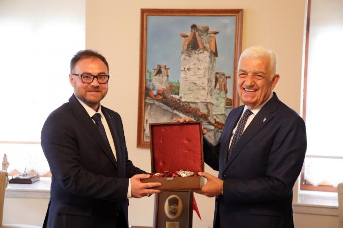 Ukrayna Antalya Konsolosu´ndan Başkan Gürün´e ziyaret