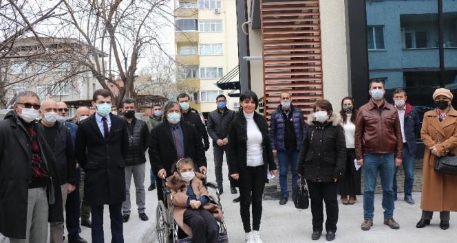 Yaklaşık 320 kişi CHP'den istifa etti